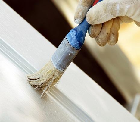 Как и чем правильно покрасить пластиковую дверь?