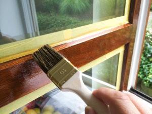 Что стоит знать о краске для оконных рам?